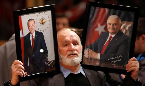 Ислямският свят зад Турция: Египет, Тунис vs. Холандия