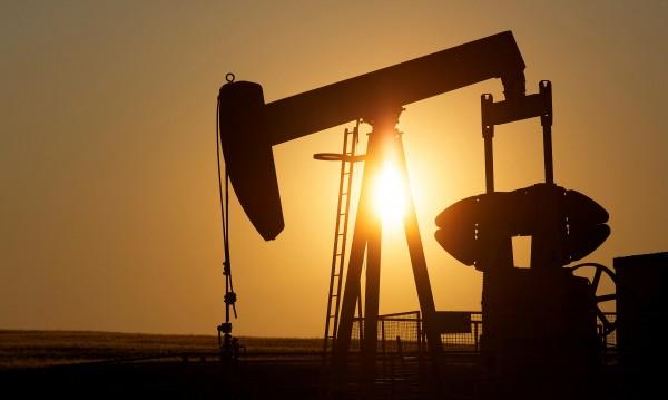 Петролът с пети пореден седмичен спад