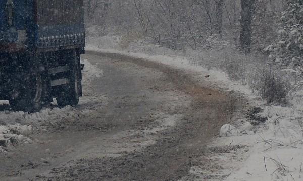 """25 см сняг покриха прохода """"Петрохан"""""""