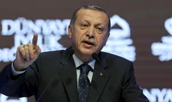 Ердоган заплаши Холандия със санкции и съд