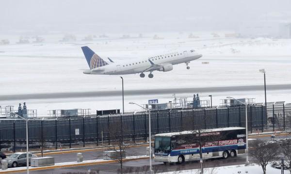 Снежна буря връхлетя североизточните части на САЩ