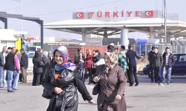 Зелена вълна: Автобусите от Турция – без забавяне към урните!