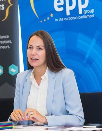 Евродепутатът Ева Майдел (ГЕРБ/ЕНП): Има само един сценарий за дигитална Европа