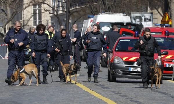 Оланд: Взривът в офиса на МВФ е терористичен акт!