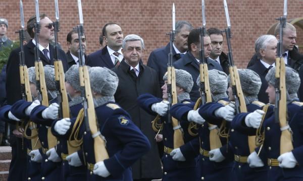 Руски печат: Русия и Армения обединяват армиите си