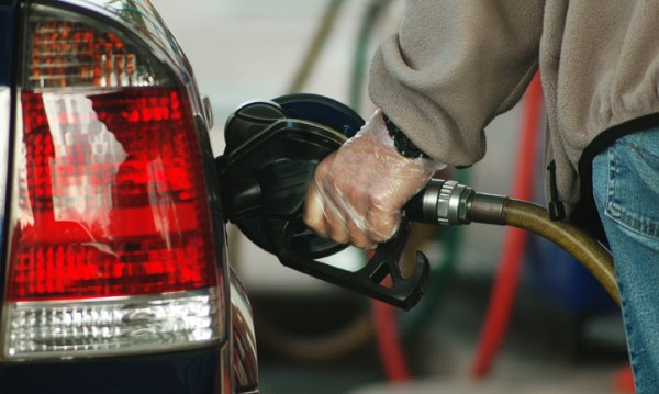 Цените на горивата – надолу с до 6 стотинки