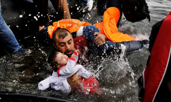 ЕК решена споразумението за миграцията с Турция да оцелее