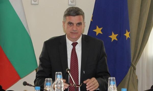 Янев успокоява: Обстановката по границата е спокойна