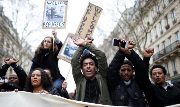 Протестно шествие в Париж срещу полицейското насилие