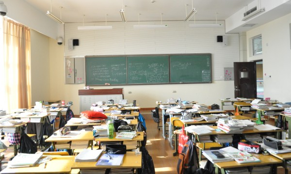 След изборите: Неучебен ден за всички ученици в страната