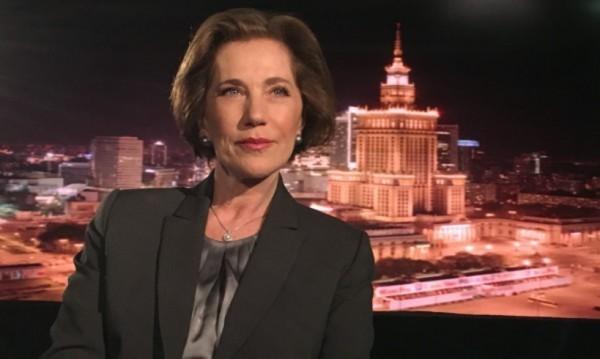 Елена Поптодорова остана без дипломатическия си паспорт