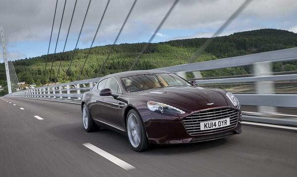 Aston Martin Rapide преминава на... ток