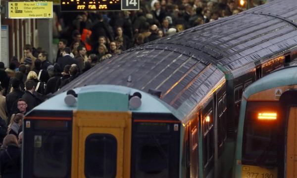 Влак дерайлира в Швейцария, няколко души са ранени