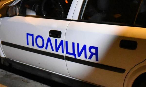Откриха 28 нелегални мигранти в горящ камион край Резово