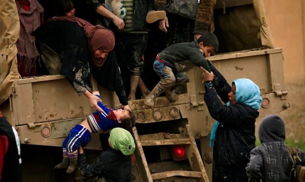 """400 000 души са """"в капан"""" в Стария град в Мосул"""
