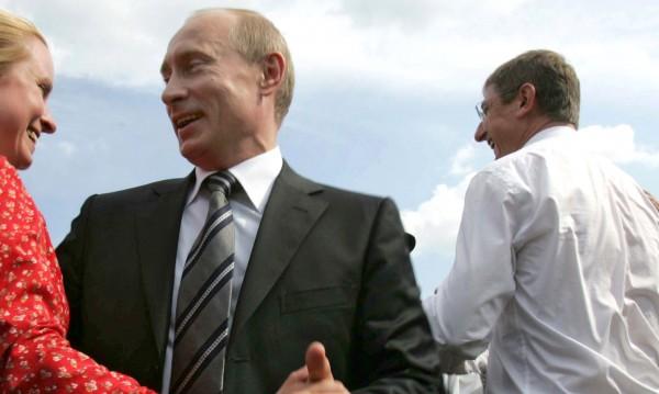 С танци и спорт Кремъл ще повишава избирателната активност