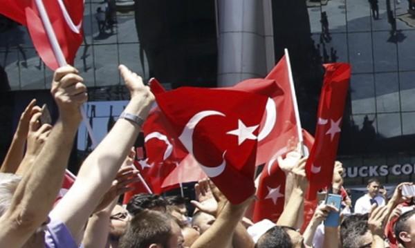 Нападнаха шофьора на турския посланик в Македония