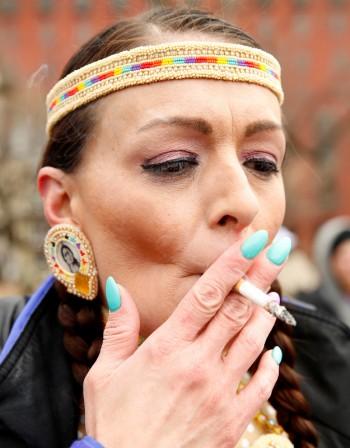 Защо пълнеем след спиране на цигарите?