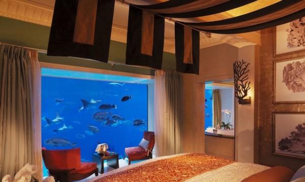 Красиви хотелски стаи, намиращи се под водата