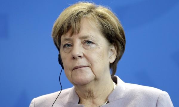 Меркел поиска общо решение на Европа за бежанците