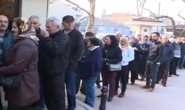 В Бурса опашките за гласуване - от 6.00 часа