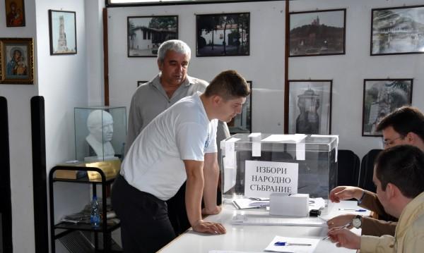 Прихванаха неграмотен председател на СИК в Петрич