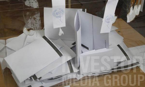42,7% избирателна активност в страната към 17 часа