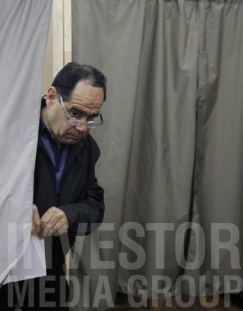 """""""Екзакта"""" разтвори ножицата до 6% между ГЕРБ и БСП"""