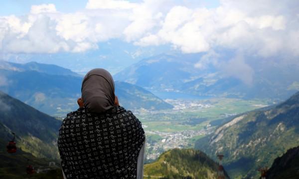 Забраниха бурките в Австрия, и Корана под ударите на закона