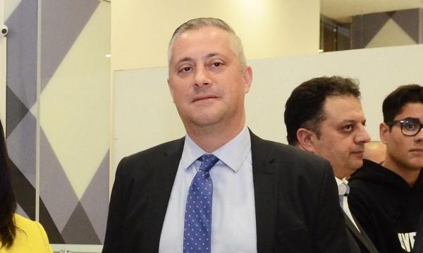 Лукарски се призна за шамаросан, хвърли оставка