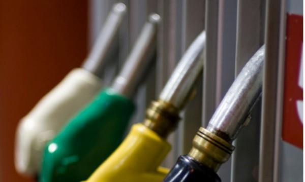 Държавата нареди: Пълна тишина за цените между петролните фирми!