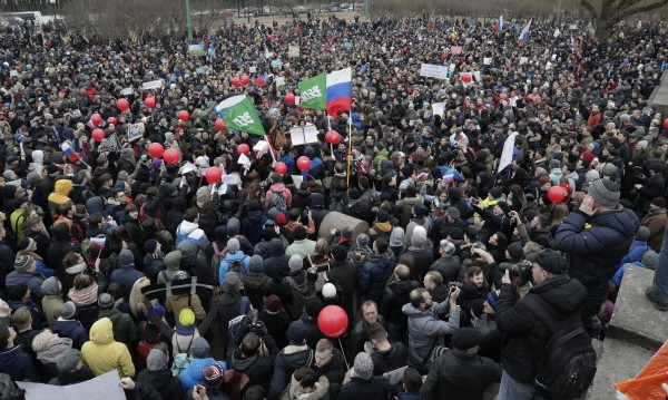 """Поколението, родено в ерата """"Путин"""", надига глас в протестите"""