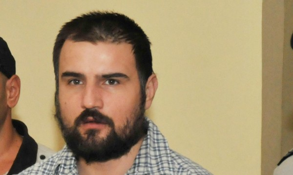 Свещи пред бургаския затвор, близки искат истината за Горан