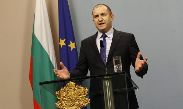 Радев: Копривщица е България, не е на няколко общинари!