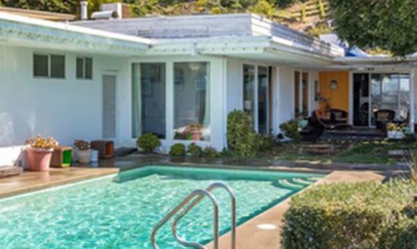 Бащата на Шрек се разделя с луксозен дом в Холивуд