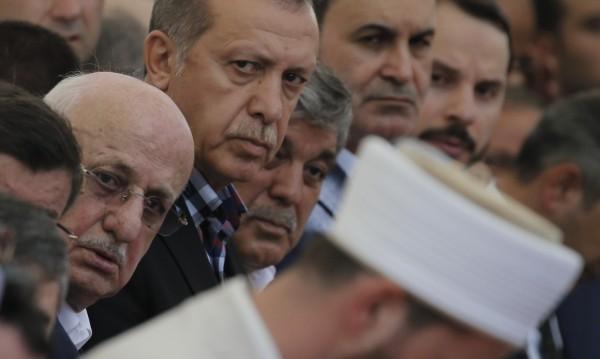 Шпионаж: Турция следила гюленисти в България чрез имами?
