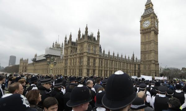 Всички задържани за атаката в Лондон - на свобода