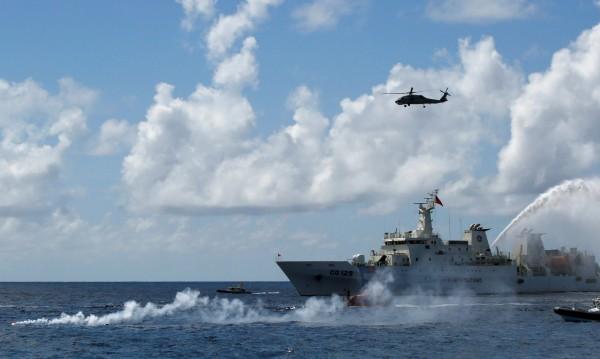Товарен кораб изчезна в Атлантическия океан