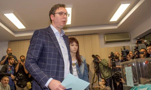 Вучич печели убедително президентския вот в Сърбия