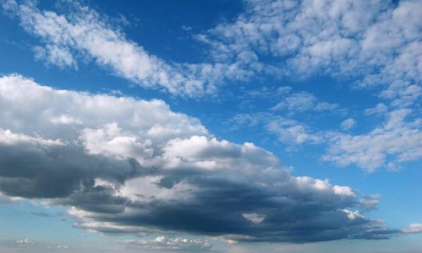 Понеделникът започва със слънце, ще завърши с дъжд
