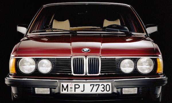 BMW показва 12 класически модела на Techno Classica