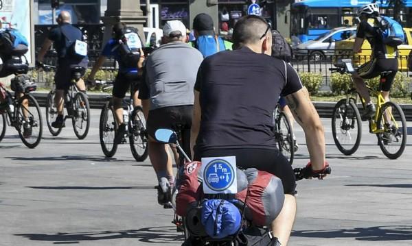 Британец готов да върти педалите по 386 километра на ден