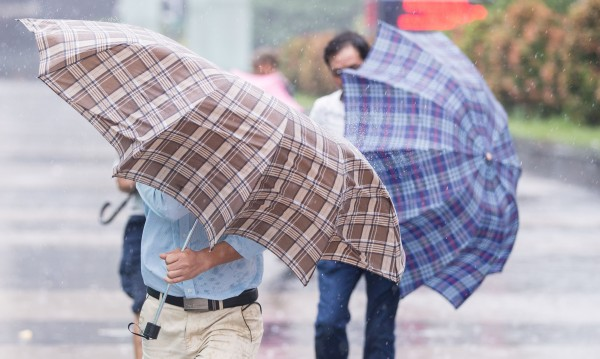 Срядата ще е дъждовна, не забравяйте чадърите!