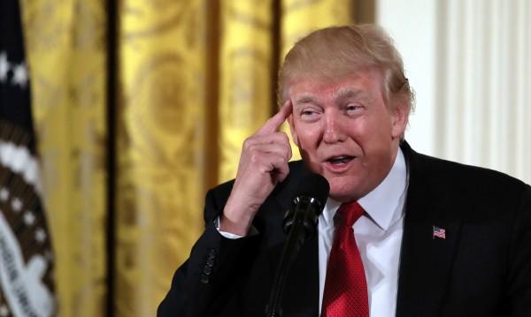 Тръмп зад журналист – добряк, обвинен в сексуален тормоз