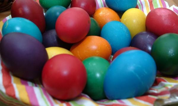 Агнешко, яйчица, козуначета... 48 лева трапезата за Великден