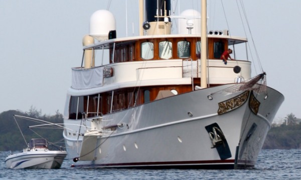 Яхтата за милиони на Дж. К. Роулинг - за продан