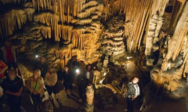Над 840 000 лв. гълтат пещерите от туристи