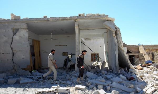 Въздушен удар в Сирия: 18 загинаха след атака в Идлиб