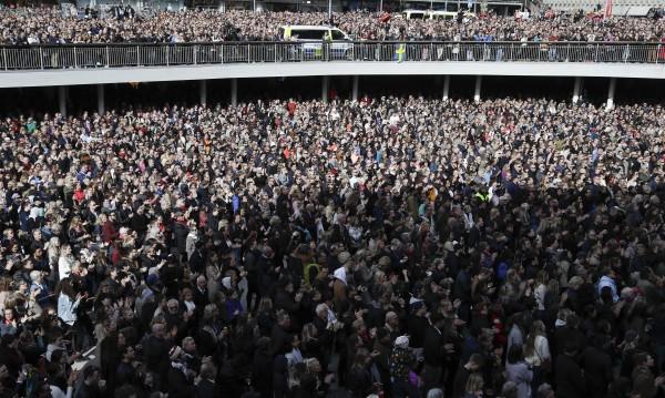 """Хиляди участваха в """"демонстрация на любовта"""" в Стокхолм"""