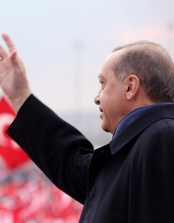 Рекорден брой гласуват на референдума в Турция